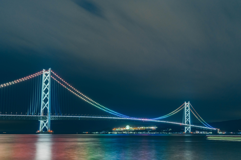 明石海峡大橋 開通20周年記念の特別ライトアップ! | LifeStyle STANDARD
